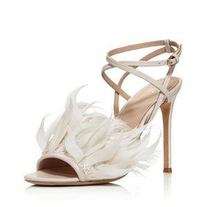 Pour la Victoire feather sandal heels